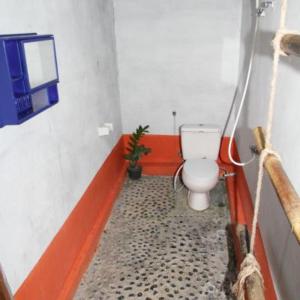 L2 bathroom